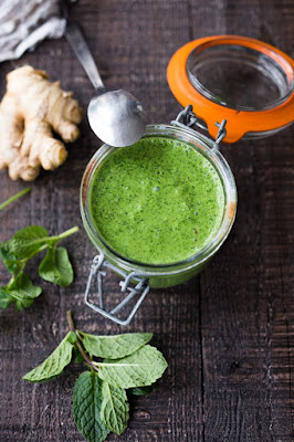 mint-chutney-picture