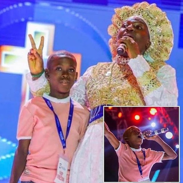 Ayomide Receives Scholarship From Rev. Mother Esther Ajayi
