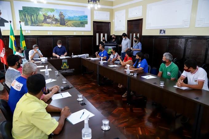 Bruno recebe feirantes e assegura construção do mercado público que vai beneficiar as regiões Sul e Sudoeste de Campina Grande