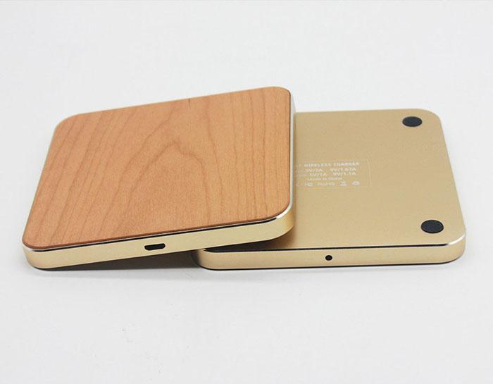 Sạc điện thoại không dây bằng gỗ