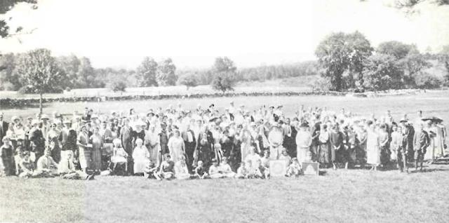 Делегаты и гости 17-го ежегодного съезда бахаи Соединенных Штатов и Канады, «Грин Эйкр», Элиот, штат Мэн, США, 5-8 июля 1925 г.