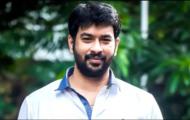 Ennadi Maayavi Nee Song Lyrics in Tamil - என்னடி மாயாவி நீ