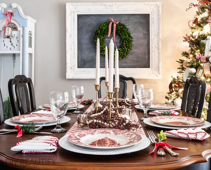 red and white Christmas dining table