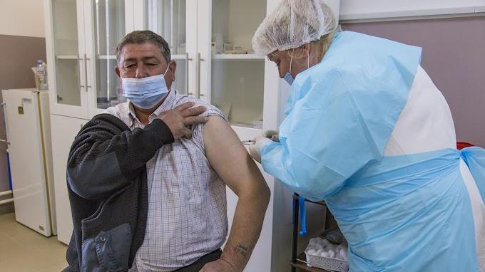 Koronavírus: már igényelhető a beoltottságért járó anyagi támogatás Szerbiában