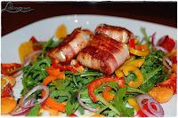 Bunter Salat mit Ziegenkäse