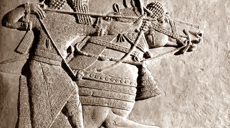 Escultura de um cavaleiro atribuida a Ninrode