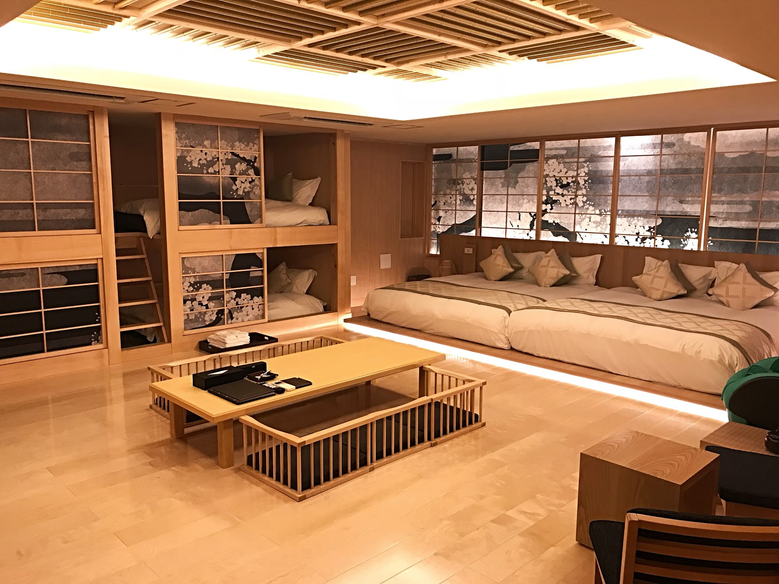 Hotel review tokyo a night at the upscale centurion for Classic house akasaka