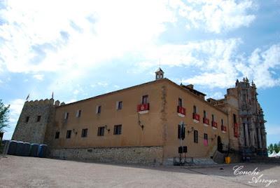 Basilica de la Santisima y Vera Cruz de Caravaca de la Cruz en el interior del castillo