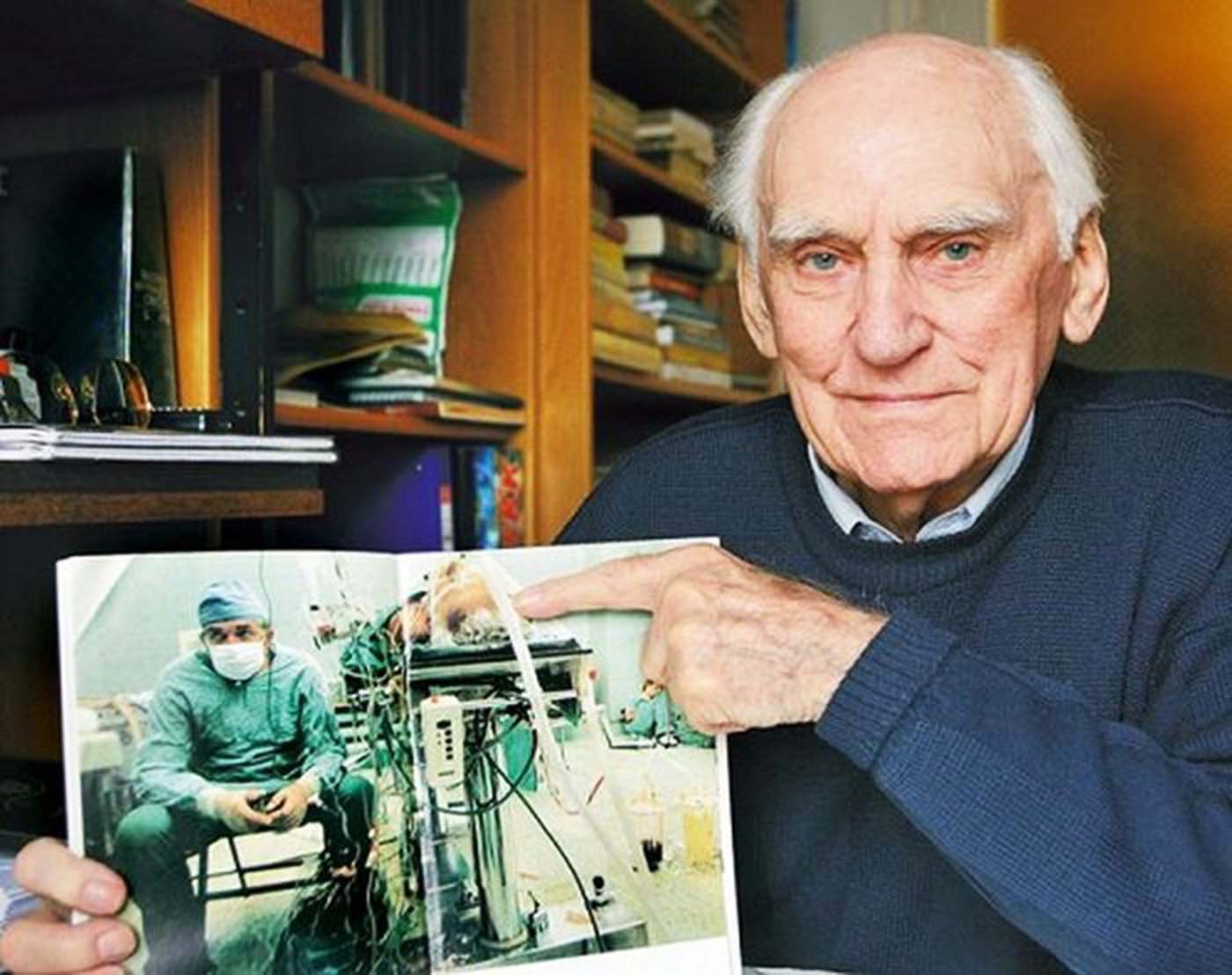 Religia's patient, Tadeusz Żytkiewicz, not only survived, but outlived his doctor.