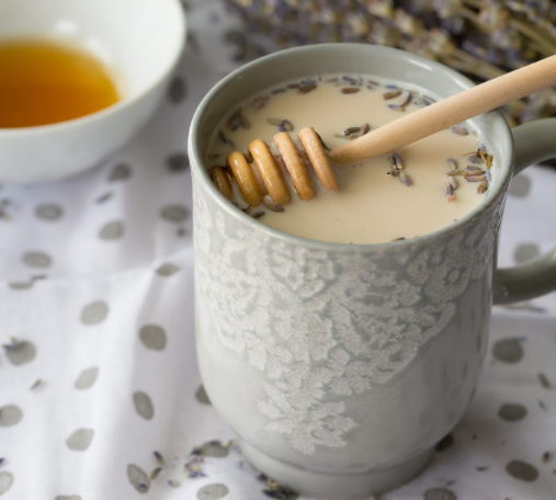 Earl Grey Latte With Lavender And Honey #healthydrink #easy #lavender #party #cocktail