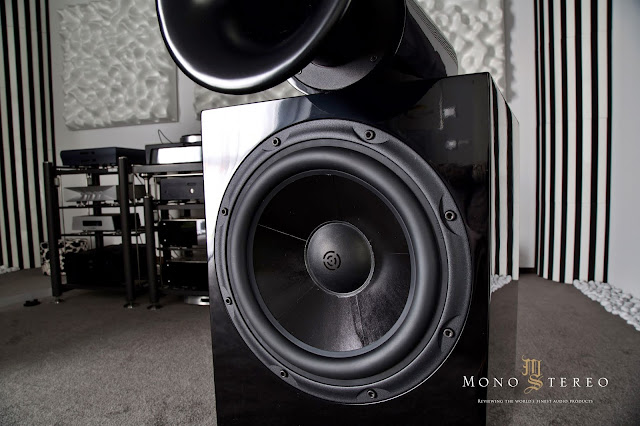 Mono and Stereo High-End Audio Magazine: Horn Acoustic Vivo speakers