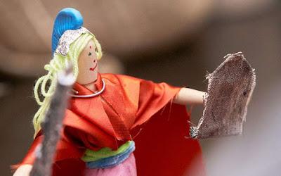 Τα παιδιά αναζητούν το άγαλμα της Αθηνάς