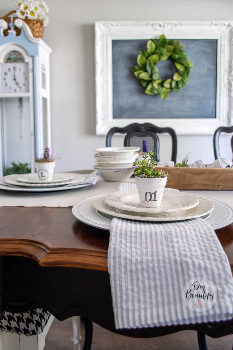French farmhouse dining room decor