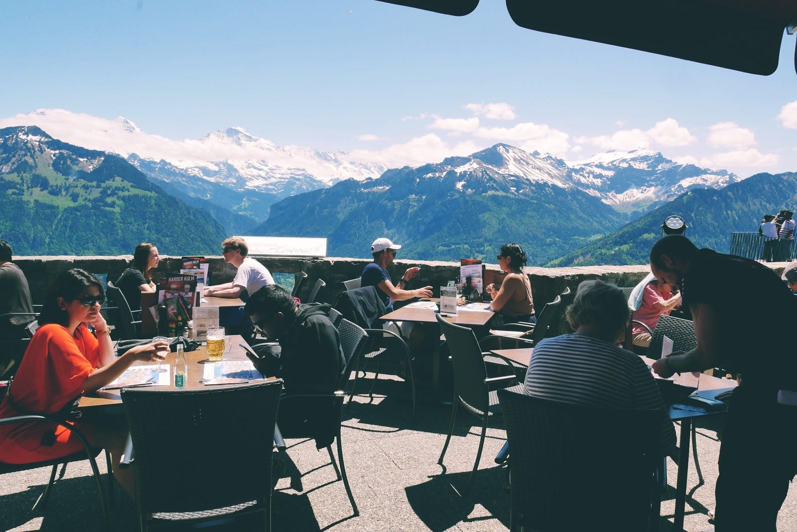 Makan siang di Panorama Restaurant, Harder Kulm, sambil melihat The Mighty Trio