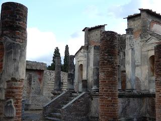 ポンペイ遺跡 イシス神殿