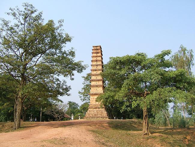 Tháp Bình Sơn Vĩnh Phúc