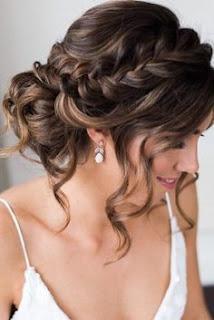 peinado de novia con trenzas cortas