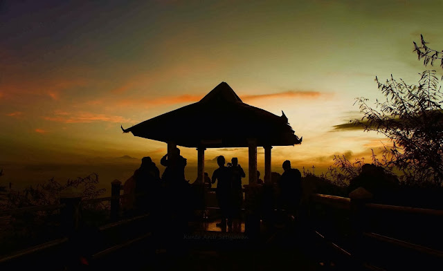 Wisata Puncak Suroloyo Kulon Progo, Harga Tiket, Rute, dan Fasilitas