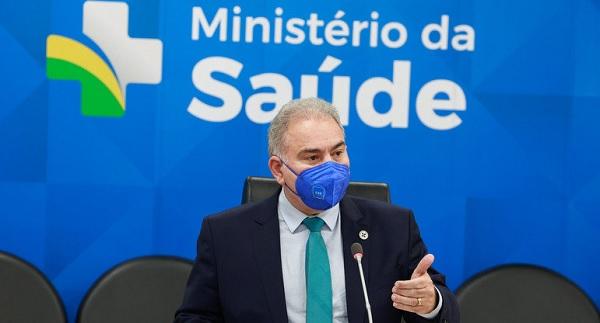 Confederação dos Municípios reage contra a paralisação da vacinação de adolescentes
