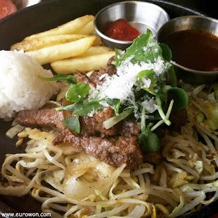 Carne con brotes de soja