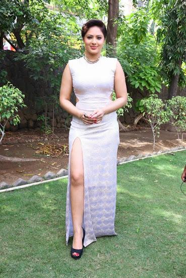 Actress Nikesha Patel Sexy Legs - Free Indian Actress Blue -1508