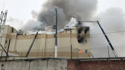Incêndio em shopping na Rússia deixa ao menos 37 mortos