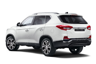 SsangYong Rexton (2018) Rear Side
