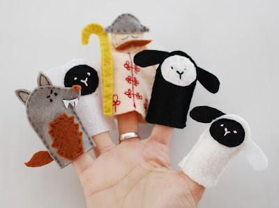 http://cernaorszag.blogspot.hu/2011/05/ujjbabok.html