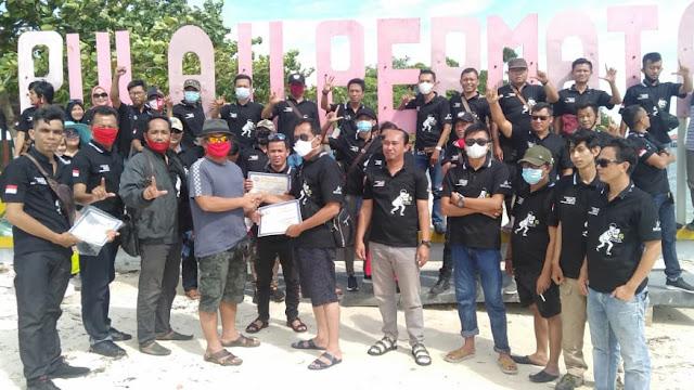 Secara Simbolis Ketum PP IWO Berikan Piagam Pertanda Usai Rakerwil IWO Lampung Tahun 2020