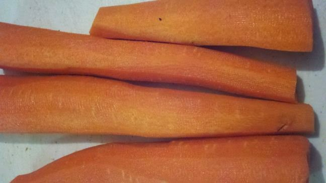making carrot coins, dehydrating carrots, preserving carrots