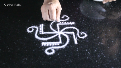 simple-3-dots-kolam-20920ba.png