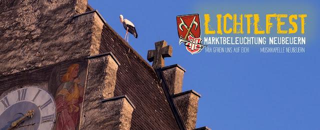 Storch auf der Marktbeleuchtung