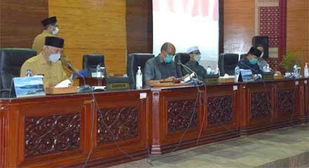 Penyampaian Jawaban Gubernur atas Pandangan Umum Fraksi APBD-P 2021