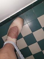 Les chaussons de pointes, à mes pieds