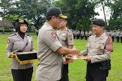 Berprestasi Dalam Tugas dan Kinerja, Sebanyak 13 Personil Polres Salatiga Peroleh Reward