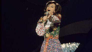 Eurovision'a katılan ilk Türk sanatçı kimdir?