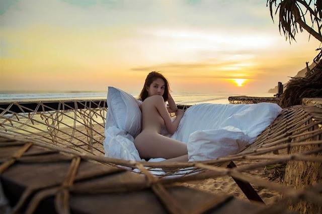 Ngọc Trinh bị tung ảnh bán nude, ngực trần, tạo dáng phản cảm chưa từng công bố