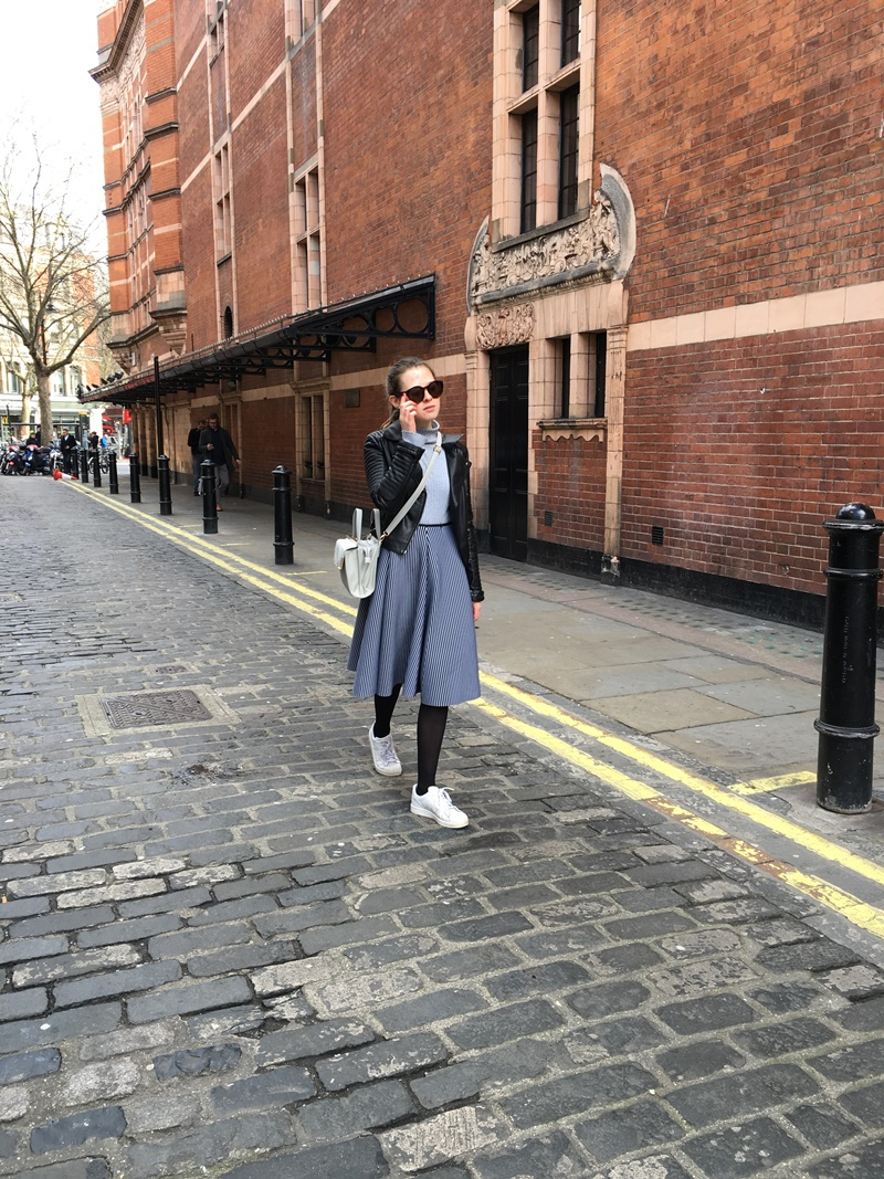 outfit, ootd, outfit of the day, london, uk, midi skirt, topshop, adidas, primark, monki, fashion blog, fashion blogger, style, trend, winter, london fashion week, lfw, street style, undersizedcloset, undersized closet