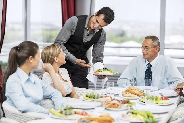 Kỹ năng mềm quan trọng cần có của một nhân viên nhà hàng