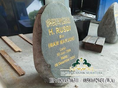 Desain Nisan Kuburan Batu Kali