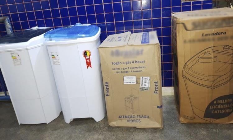 Funcionário de loja é preso na Bahia suspeito de desviar produtos para vender na internet