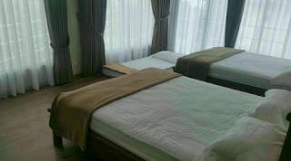 Tempat Tidur 6 Di Lantai 2