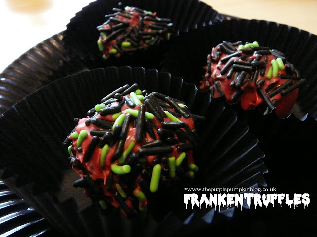No Bake Oreo Cookie Truffles | The Purple Pumpkin Blog