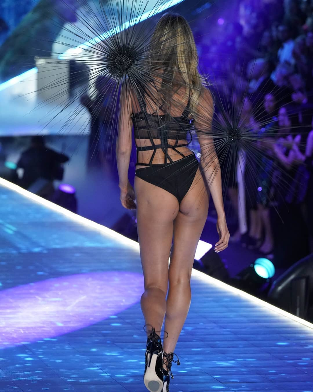 Candice Swanepoel Hot Ramp Walk