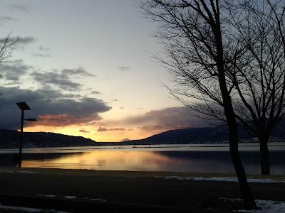 諏訪湖と朝焼け