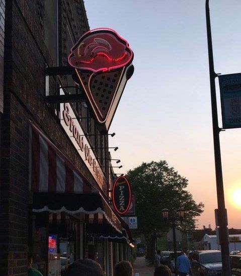 Twin City Sidewalks: Twin Cities Neon #17