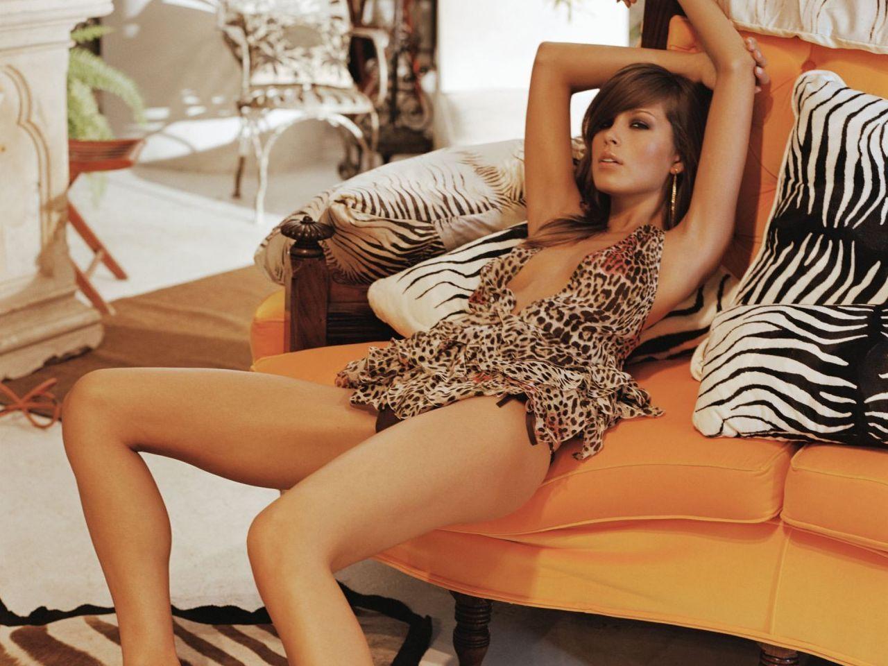 Celebrities in Hot Bikini: TV Host-Model Petra Nemcova in Bikini