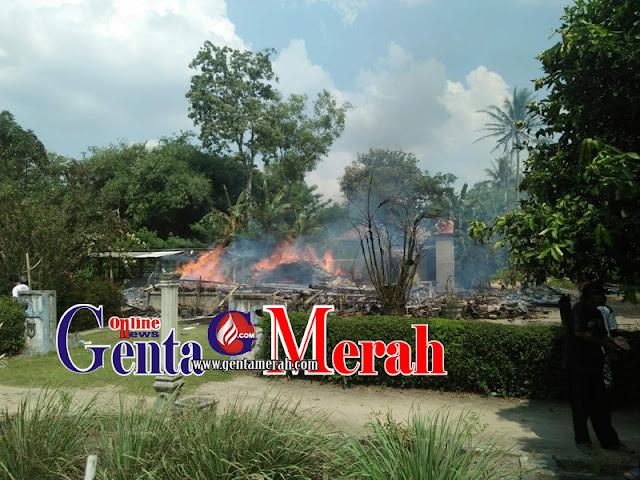 Kompor Gas Lalai Dimatikan, Si Jago Merah Membumihanguskan Rumah Pedagang Sosis