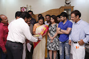 MP Kavitha Launches Jeelakarra Bellam Audio-thumbnail-9