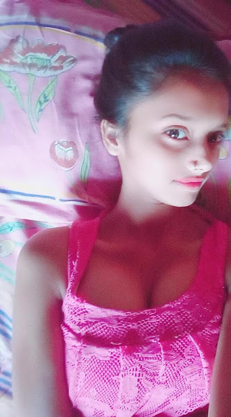 Indian Girl With Lover Leaked Pics + Video